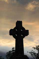 800px-Celtic_cross_Knock_Ireland